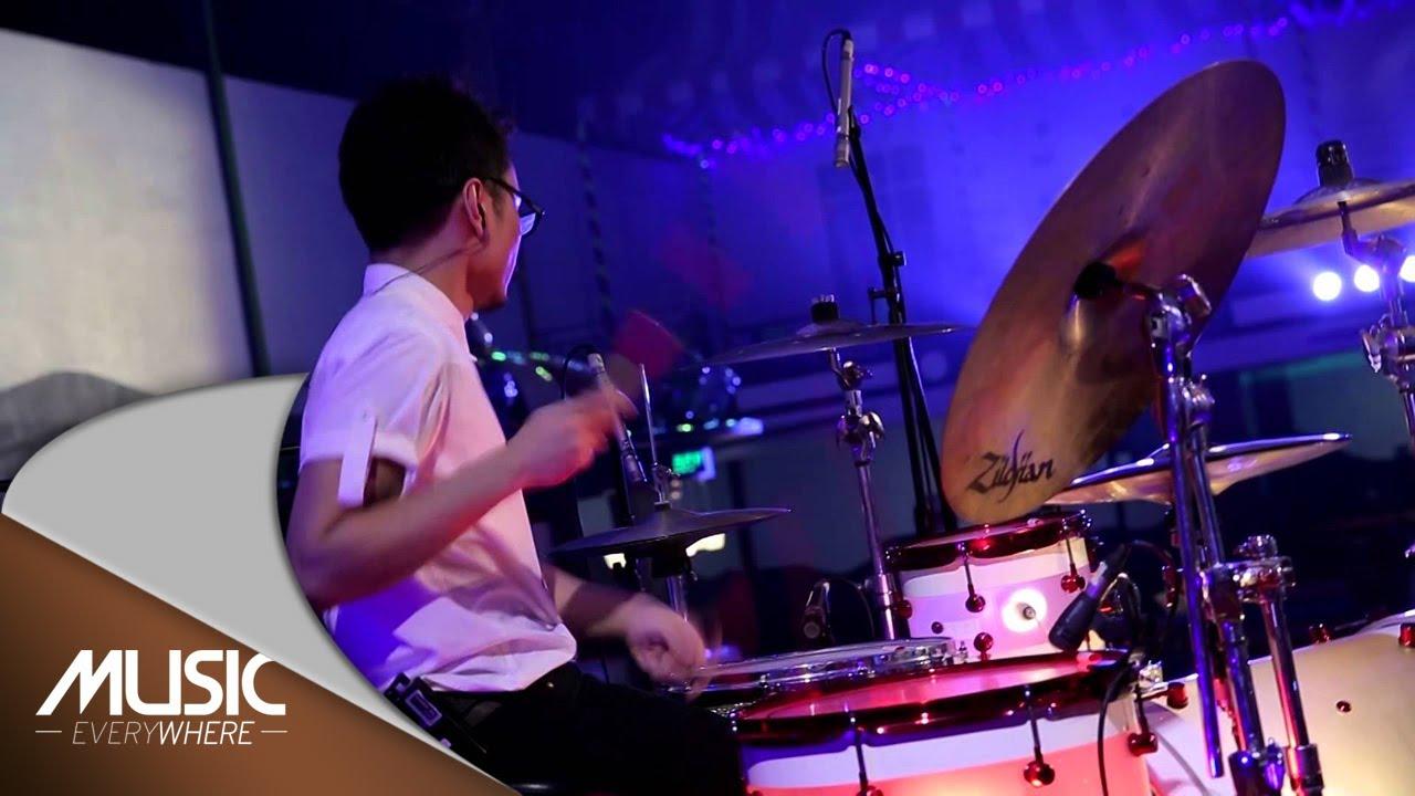 Download Vierratale - Cinta Butuh Waktu (Live at Music Everywhere) *