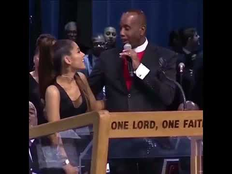 Ariana Grande groped by pastor at Aretha Franklin's funeral