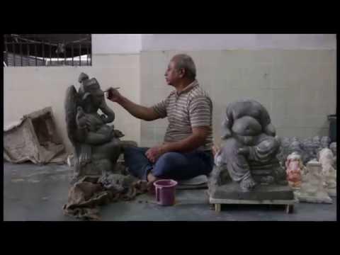 ojo - Khargaonkar Family Manufacturing Ecofriendly Ganesha Since 100-120 Years