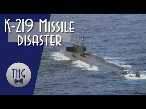 Explosion aboard submarine K-219