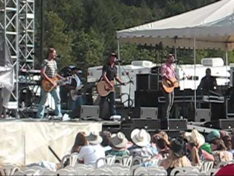 Love and Theft - Do Right By You (8/22/2010 - Brownsville, CA)