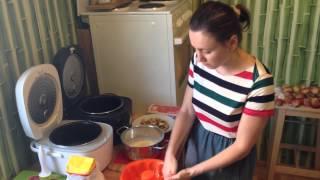 Как испечь шарлотку - шарлотка с яблоками видео рецепт(Шарлотка: 2-3 яйца, мука, сахар, соль, сода, сливочное масло, кислые зеленые яблочки. Выпекать 30-40 мин. ▻Подпиш..., 2014-08-18T13:20:24.000Z)
