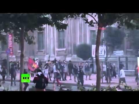 BRUTAL VIOLENCE as Turkish POLICE disperse Istanbul park DEMOLITION protest RAGE RIOTS]