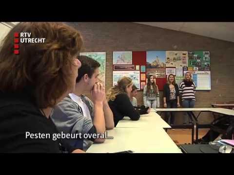 Scholieren in Zeist doen mee aan Duitse Hiphop-battle - ma 4 nov 2013 [RTV Utrecht]