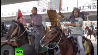 Video Exclusive dramatic video: Riders on horses, camels charge into crowd in Egypt download MP3, 3GP, MP4, WEBM, AVI, FLV Oktober 2017