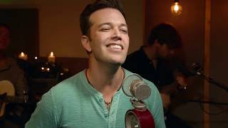Lucas Hoge - Christmas Is Here