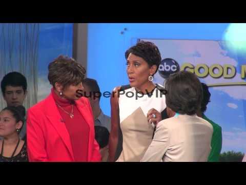 Robin Roberts, Sally-Ann Roberts, and Gail Roboz at the '...