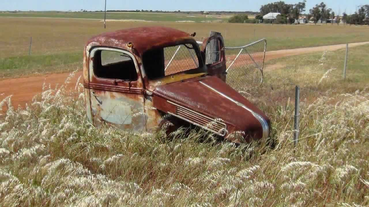 The Old Abandoned Vintage Era Cars, Trucks & Farm Machinery ...