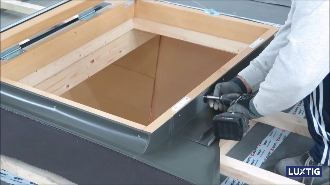 Istruzioni di montaggio finestra per tetti modello porta for Montaggio velux