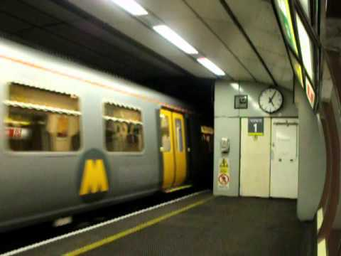 Class 507 (Dixie Dean) and Class 508 - Merseyrail - Moorfields Station