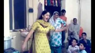 lahori girl dance in wedding at home with a nice pashto song bubblu baba