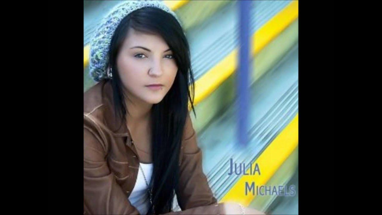 Julia Michaels (2)