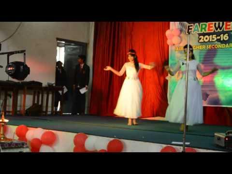 Itni si hasi, itni si khusi ( beautiful dance by...