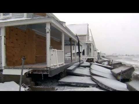 Powerful nor'easter pounds northern New England