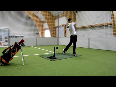 TSS Groover – Golf Impact Training with Dr. Scholl's foot spray