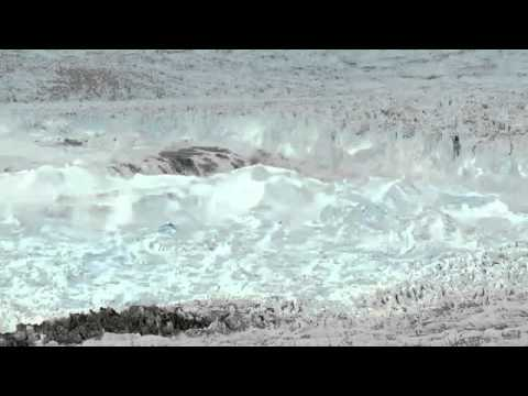VIDEO - Glacier The Size Of Manhattan Breaks Apart