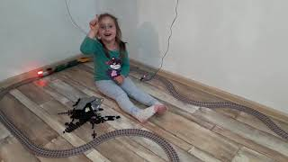 Настёнка будущий электрик ( или какие игрушки идут на пользу детям )