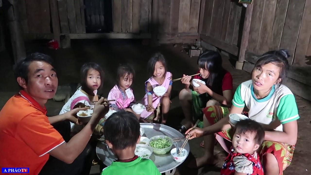 Khám phá bản #2: Bữa cơm đạm bạc và cuộc sống của đôi vợ chồng trẻ có 6 người con