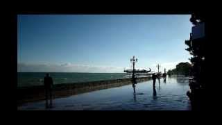 Ялта в ноябре : Отдых в Крыму(http://gurzuf.me Ялта в ноябре, отдых в Крыму : Туризм, путешествия, экскурсии, расселение отдыхающих., 2012-11-11T21:21:32.000Z)