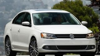 2012 Volkswagen Jetta 2.5 L 5-Cylinder Start Up and Review