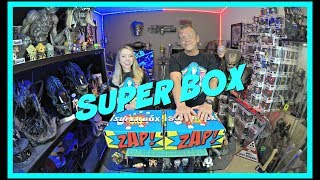 SUPER BOX! | Customizable Super Hero Box | Guru Reviews