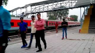 Kaifyat Express , Malipur | Delhi Azamgarh | New Style Red Coloured