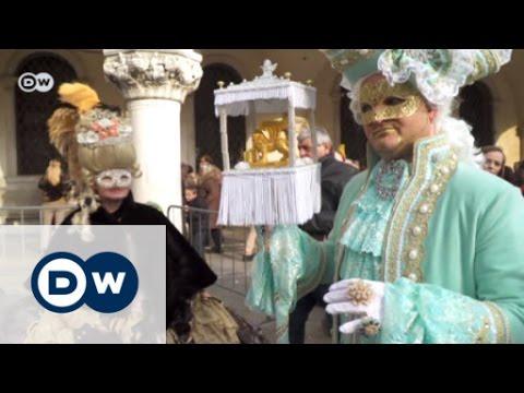 Elaborate costumes at Venice Carnival | Euromaxx