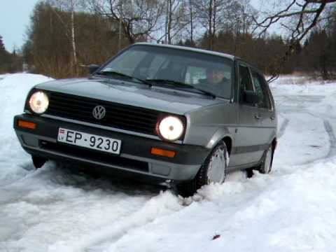 vw golf 2 in snow youtube. Black Bedroom Furniture Sets. Home Design Ideas