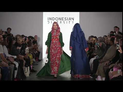 VIVI ZUBEDI - INDONESIAN DIVERSITY - NEW YORK FASHION WEEK FIRST STAGE S/S 18