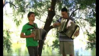 I Belong To Glasgow (Will Fyffe) - Outdoor Accordion Duet