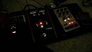 Distorted DRONE... Moogerfooger and delay