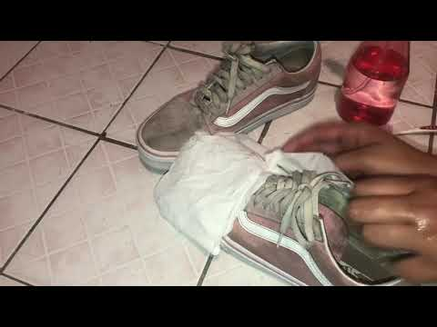 How to clean colored Vans