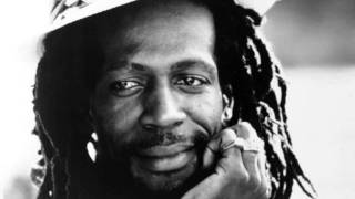 Gregory Isaacs - Sun Shines For Me