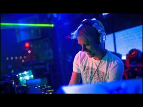 Armin van Buuren - Live @ Club Eau, The Hague (26.10.2002)