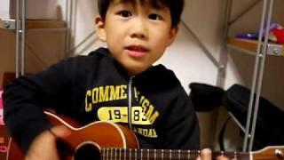 Cư dân mạng lại  điên đảo  với cậu bé ngứa mũi    gẩy đàn hit  I m yours    Asia   kenh14 vn   Channel for Teens