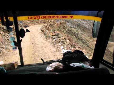 Subida de ônibus para o Chacaltaya, La Paz - Bolívia
