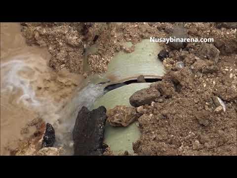 Nusaybin'de patlayan su borusu onarılmaya başlandı