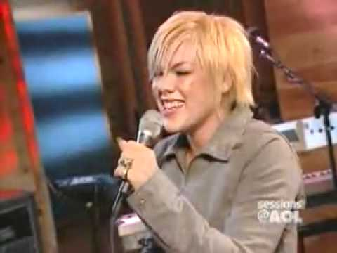 Pink - Me & Bobby McGee(AOL Music Session)