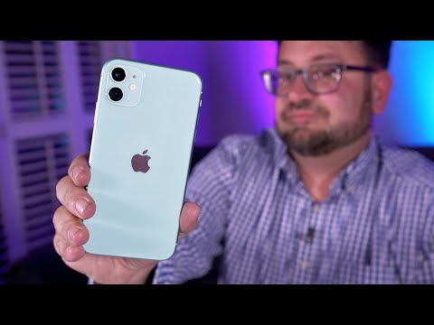 unboxing-the-iphone-11-with-clear-apple-phone-case