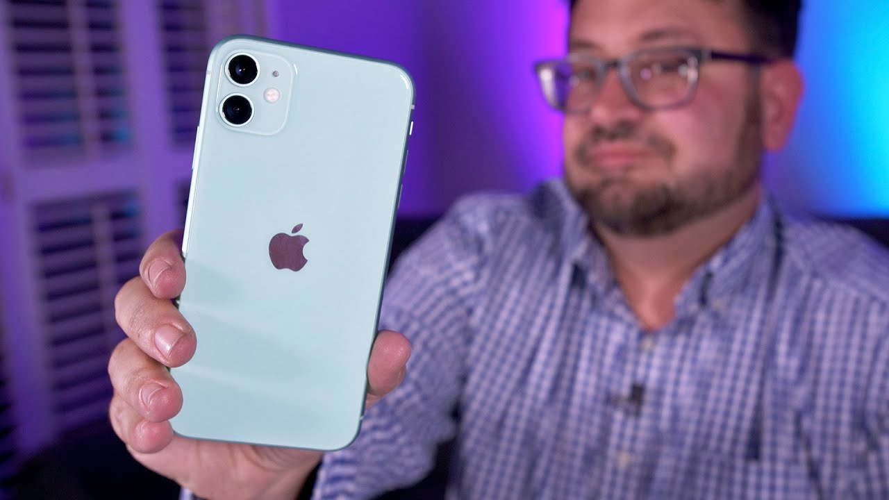 Photo of Unboxing the iPhone 11 with clear Apple phone case – شركة ابل
