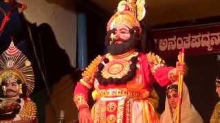 Yakshagana -- Thandimane as Bheeshma Pravesha - Suthalu nodutha ganga thaneyanu...Jansale