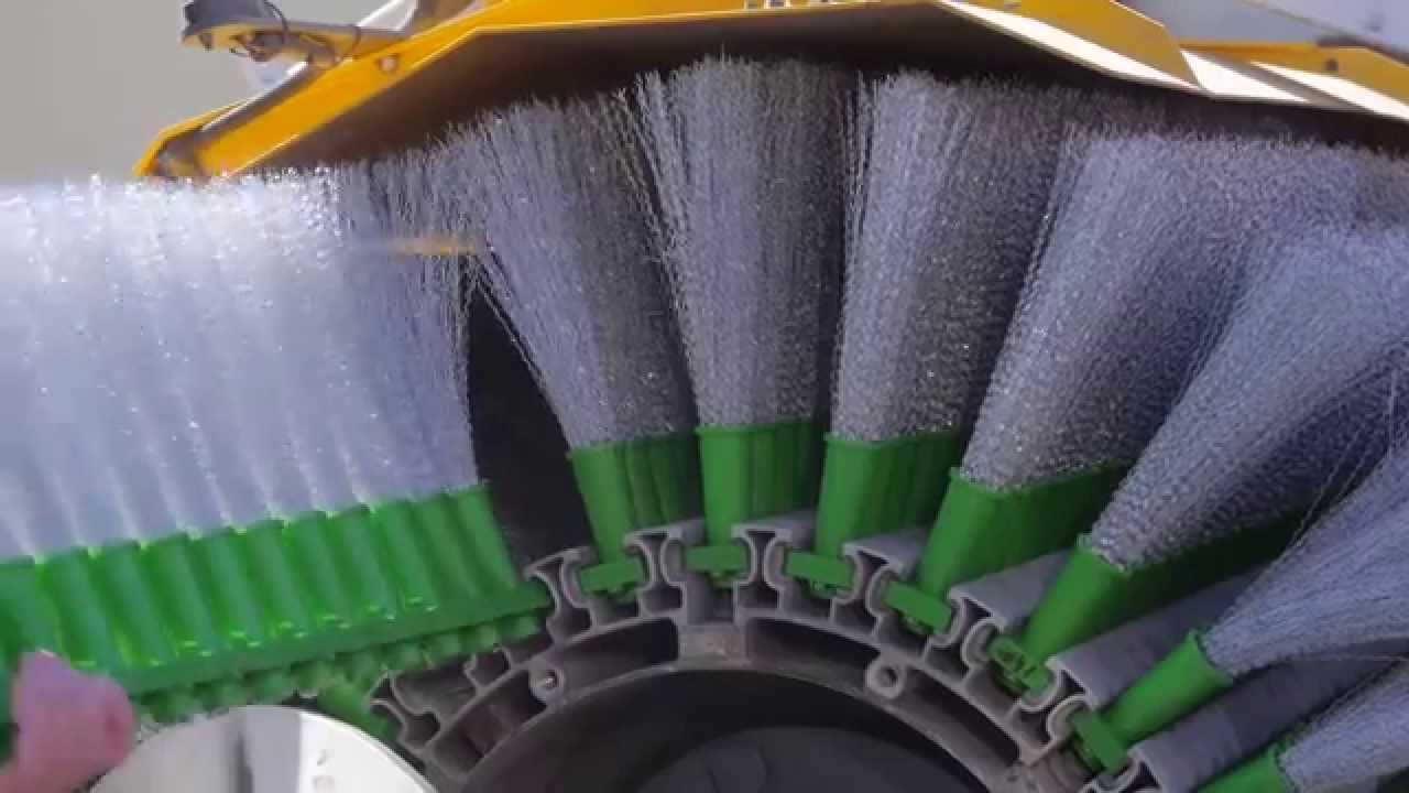 Brushes for sweepers and street sweeping brooms : TecSolum Industrial Brush  Manufacturers