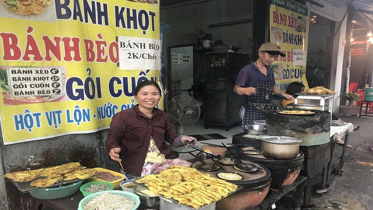 Bánh xèo miền Trung ngày mưa Sài Gòn ở đâu ngon?