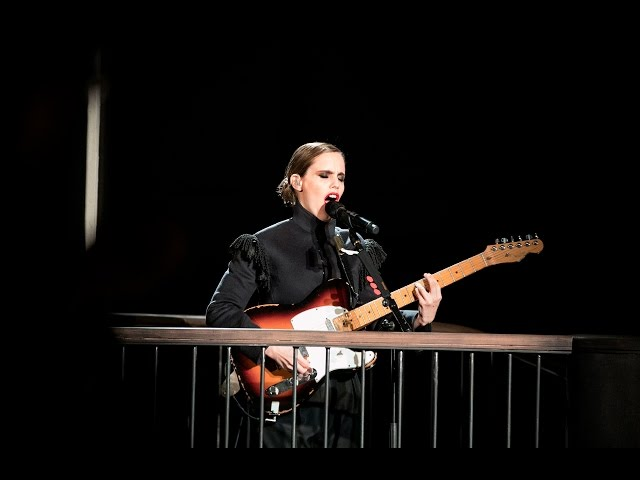 Anna Calvi - The Burberry February 2017 Show