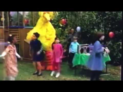 Gabi, Lexine and Friends dance to Camptown Races from Baby Genius Favorite Children's Songs