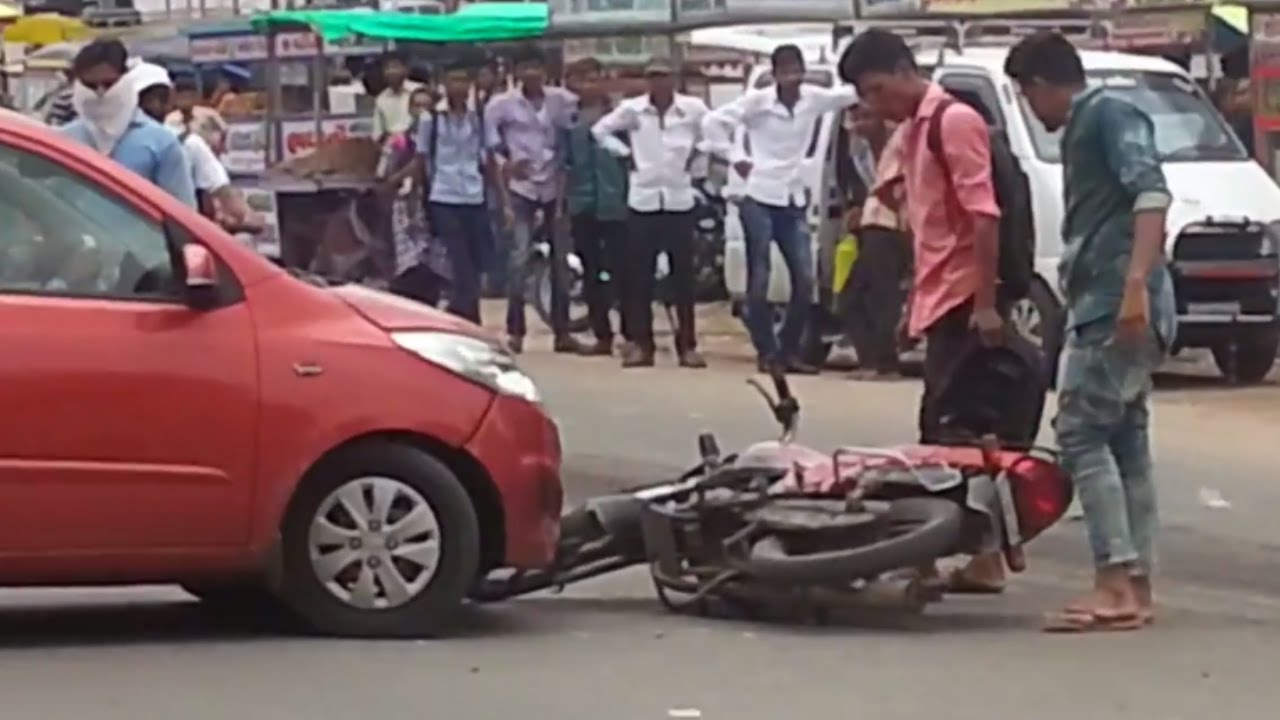 car and bike accident in busy traffic in india - fight - youtube