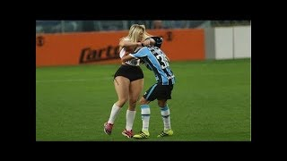 Download 20 BEAUTIFUL MOMENTS OF RESPECT IN SPORTS Mp3 and Videos