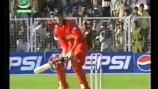 DOUGLAS MARILLIER PULLS OFF A MIRACULOUS WIN FOR ZIMBABWE 1ST ODI INDIA VS ZIMBABWE 7 MARCH 2002   T
