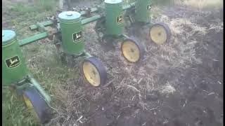 John Deere 71 Flex Planter Used On A JD 1020