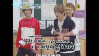 Yoogeun's tunnel game with SHINee